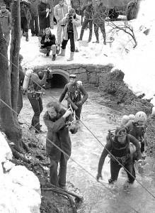 Im Mordloch eingeschlossen - vier Sporttaucher aus Bielefeld und Niefern vermisst 7.2.1977